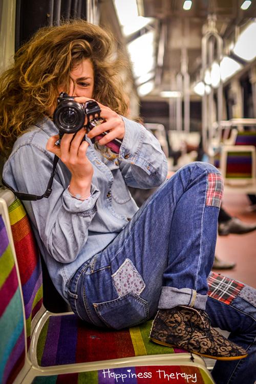 """Stéphanie Pfeiffer (fondatrice du projet Gueules de parisiens - http://www.gueulesdeparisiens.com/) : """"Le bonheur, c'est d'être en vie et revoir ceux que j'aime. C'est aussi comme des petits moments simples comme aller à l'aéroport chercher quelqu'un qu'on aime."""""""